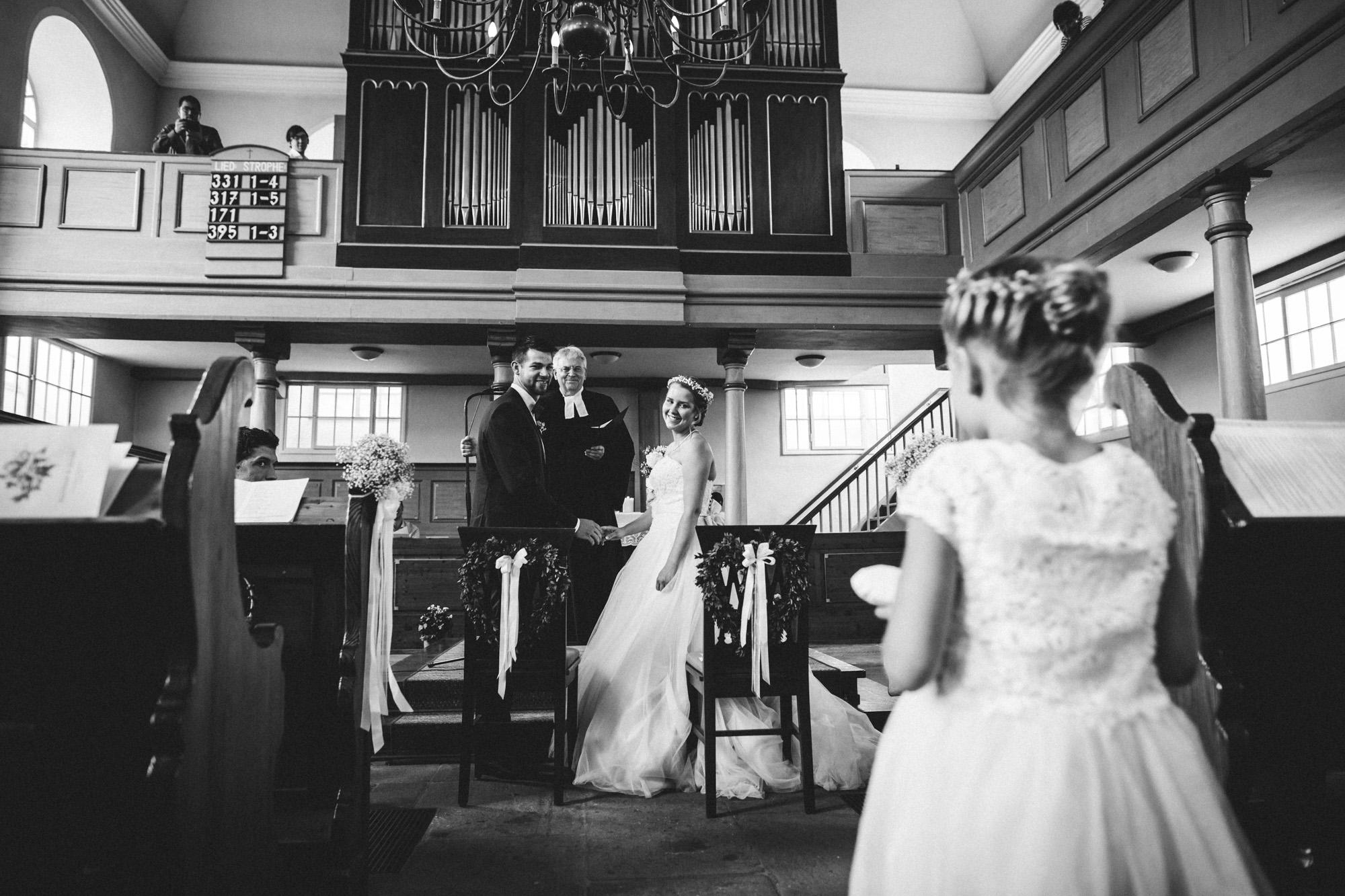 hannah und elias 071 - Schwarz-Weiß Hochzeit