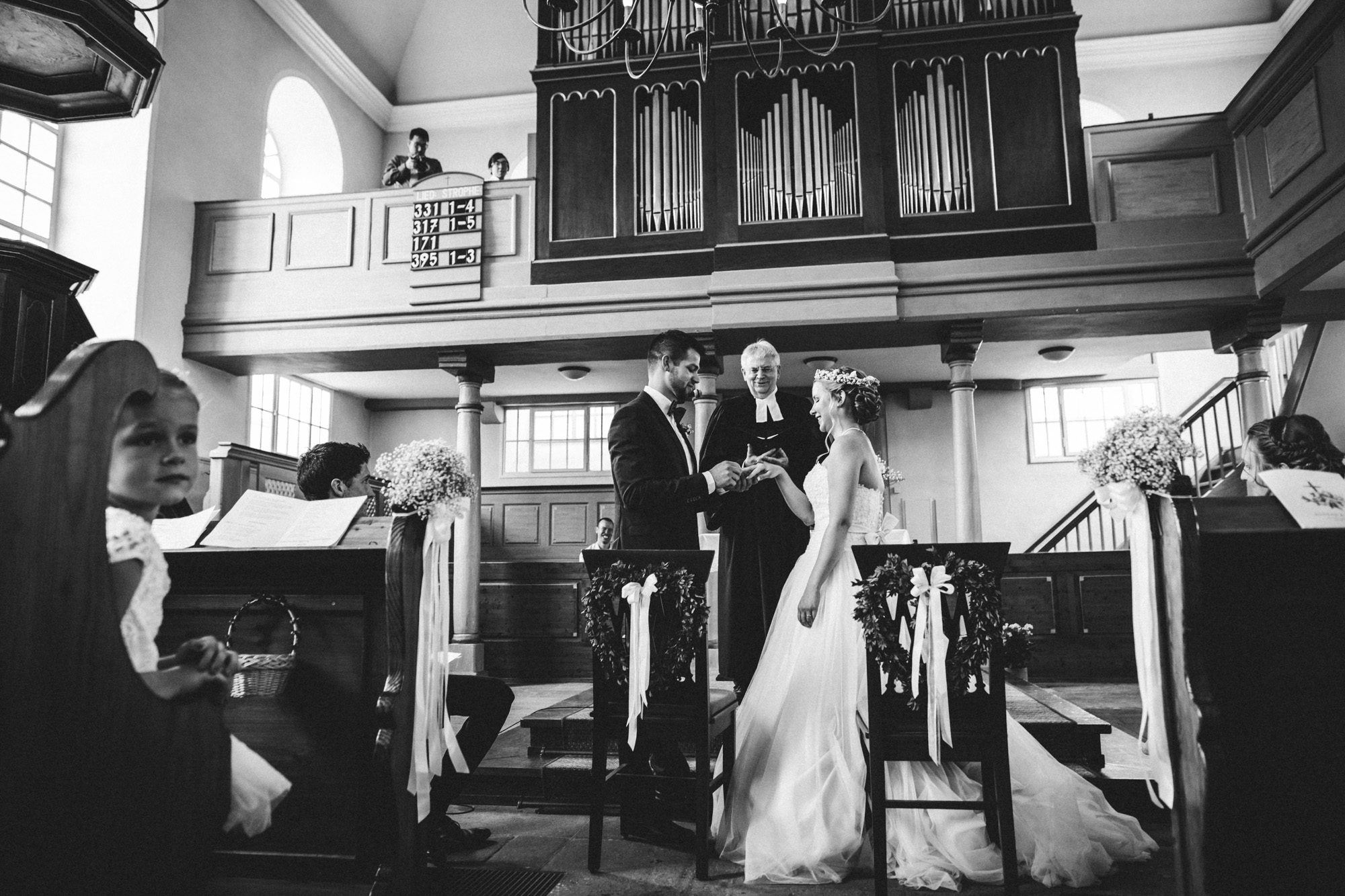 hannah und elias 080 - Schwarz-Weiß Hochzeit