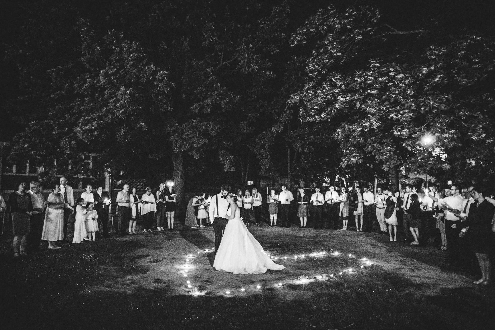 hannah und elias 650 - Schwarz-Weiß Hochzeit